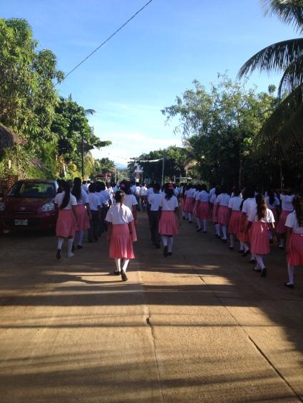 Próba lokalnej szkoły z okazji Dnia Niepodległości