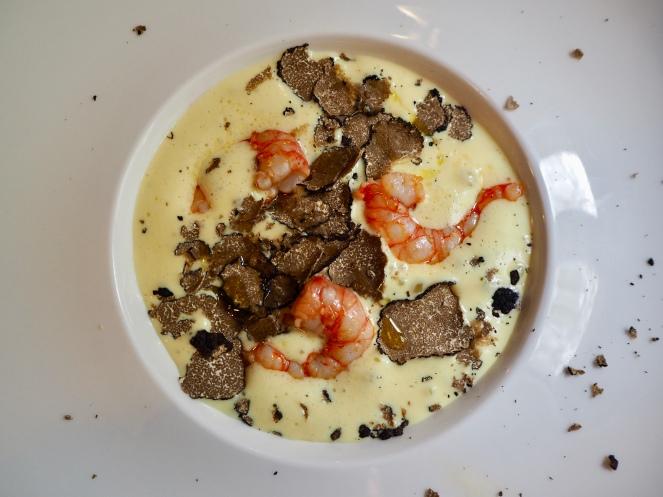 Danie główne: tortino di verza, trufle i krewetki